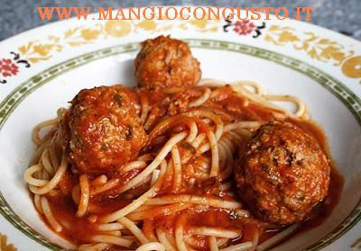 gli spaghetti con le polpette