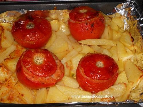 pomodori ripieni cotti