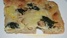 pizza bonci fatta in casa - una fetta croccante