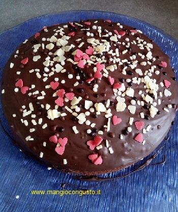 torta cioccolatosa glassata