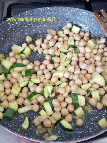 padella ceci e zucchine